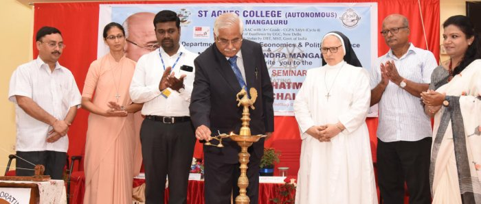 Supreme Court former Judge Justice V Gopala Gowda inaugurates a one-day seminar on 'Rethinking Mahatma Gandhi – Issues and Challenges' at St Agnes College in Mangaluru on Monday.