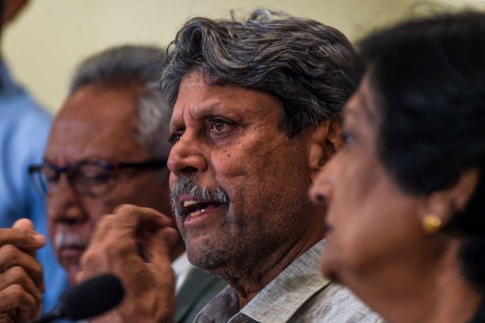 The three-member cricket advisory committee panel, ex-national coach Anshuman Gaekwad (L) and ex-women's team captain Shantha Rangaswamy and Kapil Dev. (AFP Photo)