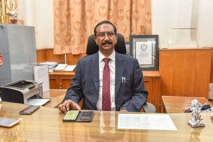 B H Anil Kumar, new Commissioner BBMP, taking charge at BBMP head office in Bengaluru.