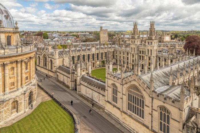 Oxford's new family guide will include information on what it is like to study at the university, what support is available for students and how much it will cost. (File Photo for Representation)