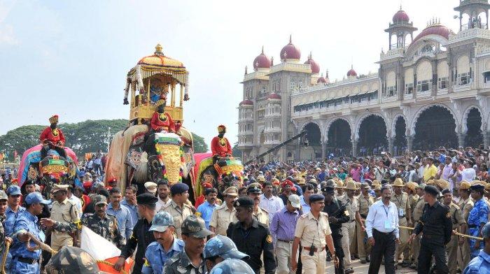 Howdah elephant Arjuna carrying Goddess Chamundi along with Kaveri and Mary at Amba Vilas Palace. Photo courtesy: DH, The Royal City by TP Issar