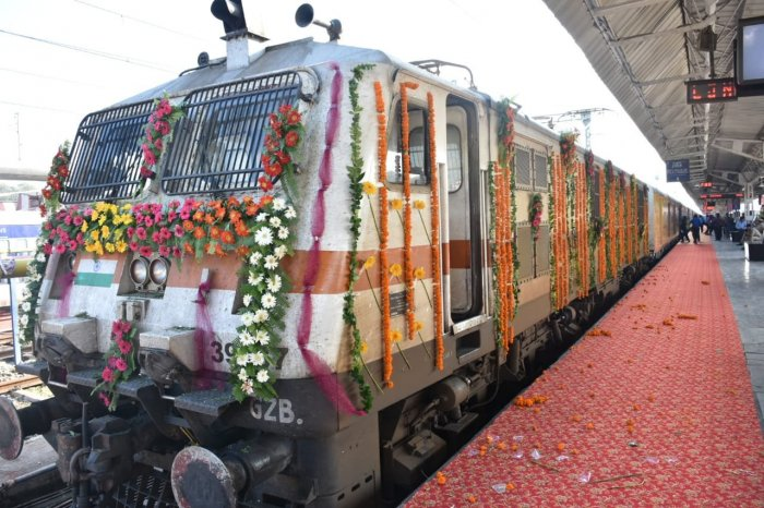 """Delhi-Lucknow Tejas Express is India's first """"private"""" train run by subsidiary IRCTC. Photo/Twitter (Northern Railway Lucknow Division)"""
