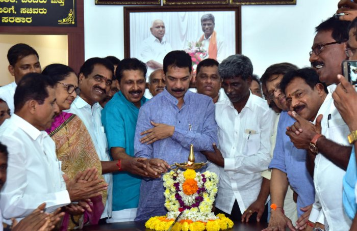 State BJP President and MP Nalin Kumar Kateel inaugurates the office of the District In-charge Minister Kota Srinivas Poojary in Mangaluru on Sunday. District BJP President Sanjiv Mathandur and Mulki-Moodbidri MLA Umanath Kotian, among others, look on.