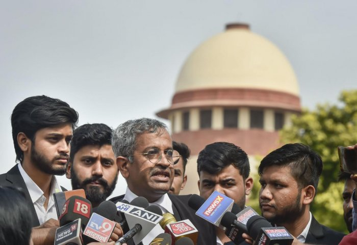 New Delhi: Senior advocate Sanjay Hegde, appearing for law students, speaks to media persons after Supreme Court (SC) restrained authorities from cutting anymore trees in Mumbai's Aarey to set up a Metro car shed, at SC in New Delhi, Monday, in New Delhi,