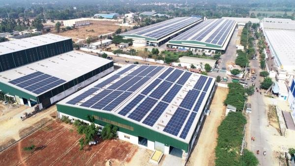Klene Paks Rooftop Solar Installation. (DH photo)