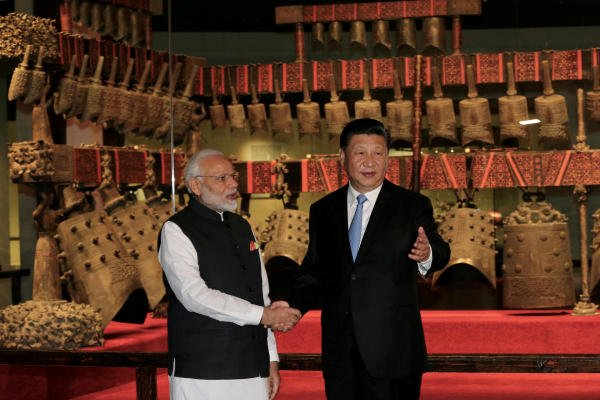 Chinese President Xi Jinping and Indian Prime Minister Narendra Modi. (Reuters photo)