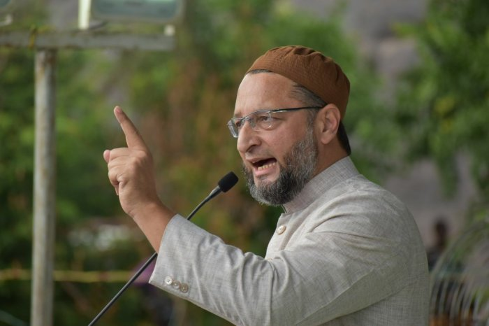 Reacting sharply to RSS Chief Mohan Bhagwat's statement, Owaisi said Muslims, Dalits and even Hindus have been victims of incidents of mob lynching in the country. Photo/Facebook (Asaduddin Owaisi)