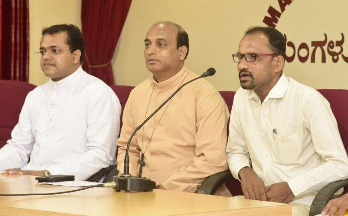 Nelyady Gram Panchayat member Jayanand addresses a press meet at Patrika Bhavan in Mangaluru on Wednesday.
