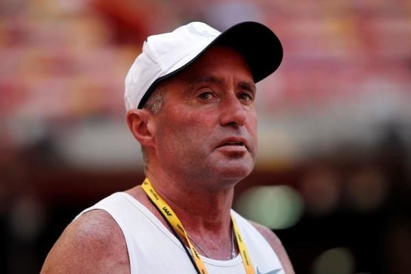 """In this file photo taken on August 21, 2015 Cuban-American coach Alberto Salazar attends a practice session ahead of the 2015 IAAF World Championships at the """"Bird's Nest"""" National Stadium in Beijing. (AFP photo)"""