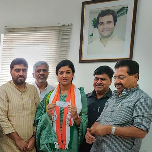 Aam Aadmi Party MLA from Chandni Chowk Alka Lamba joins the Congress party in presence of the party's in-charge of Delhi P C Chacko, in New Delhi, Saturday, Oct. 12, 2019. (PTI Photo)