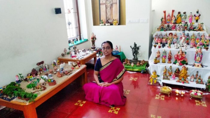 Seethalakshmi Rao, a resident of Bengaluru, arranged dolls based on Kannada proverbs this Dasara.