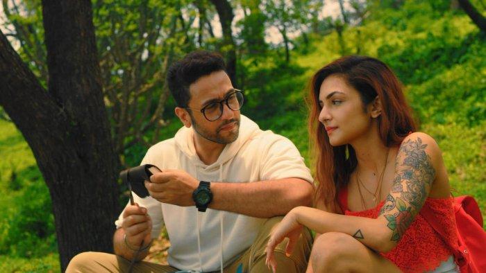 A scene from 'Rang Jaaye'.