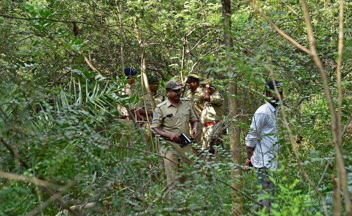 G.Parameshwara PA Ramesh Suicide at Jnana Bharathi Campus