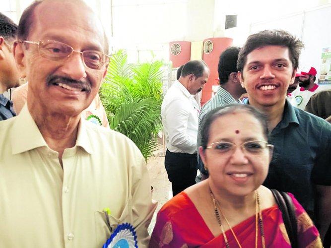 Prof Hareesh Joshy with his family at Karnapex-2019.
