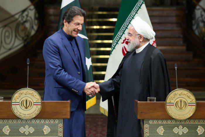 Pakistan Prime Minister Imran Khan with Iranian President Hassan Rouhani(Reuters Photo)