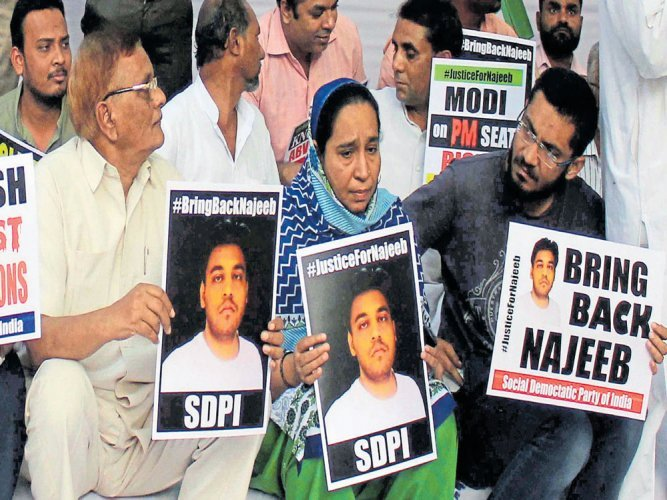 Protest against authorities to bring back Najeeb (DH Photo)