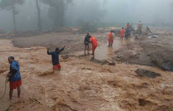 Several hillocks have caved in, but non-stop rain is hampering rescue operations. (DH Photo)