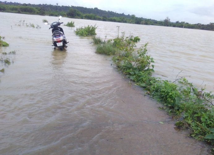 The movement of vehicles on Balele-Kottageri road was affected.