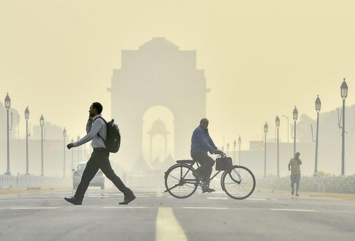 A view of Rajpath road engulfed in haze, in New Delhi, Thursday, Oct. 17, 2019. The air quality of Delhi plunged to 'very poor' category for the first time this season on Wednesday, according to the Central Pollution Control Board (CPCB) data. (PTI Photo)