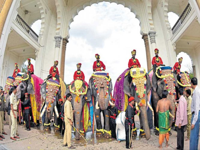 The Dasara holidays will be between October 17 and 21. (DH File Photo)