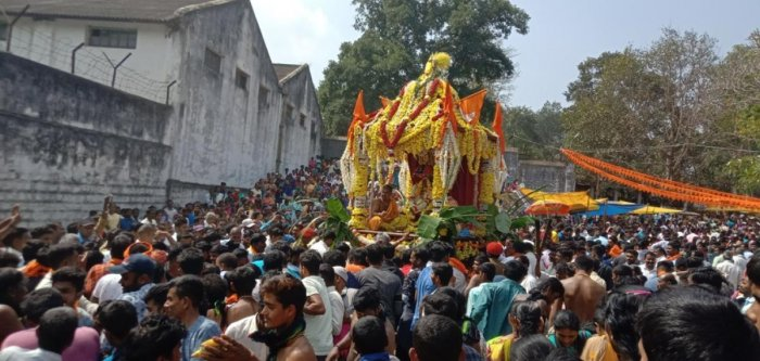 Car festival was held at Sri Udbhava Subrahmanya Swami temple in Koodige village, in Kushalnagar, on the occasion of Champa Shashti on Thursday.