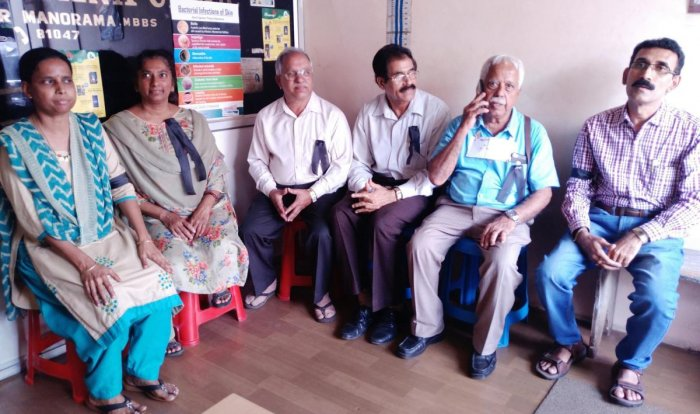 Doctors in Somwarpet observed a protest by wearing black badges on Monday.