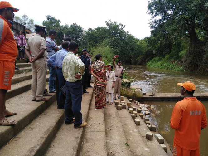 Deputy Commissioner Annies Kanmani Joy visited Bhagamandala in Kodagu on Thursday.