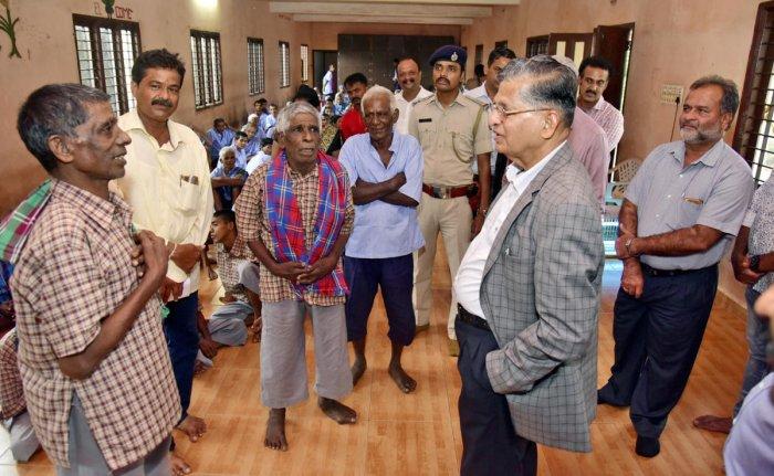 Lokayukta Justice P Vishwanath Shetty interacts with inmates of Destitute Rehabilitation Centre at Pacchanady in Mangaluru.
