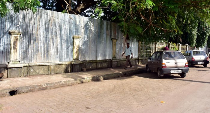 The work on underpass at Gandhi Park in front of Town Hall in Mangaluru has commenced. DH Photo