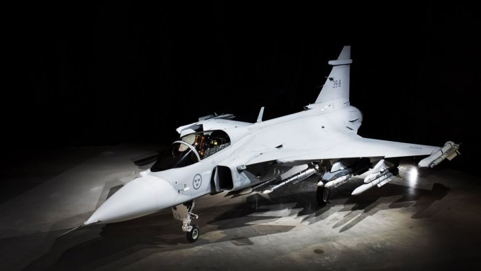 The single-engined JAS 39 Gripen E was one of six contenders for the Medium Multi-Role Combat Aircraft (MMRCA) tender, but following the scrapping of that tender, Saab was presented with an informal request for information (RFI) by the Indian Force in April 2018. Photo/Saab