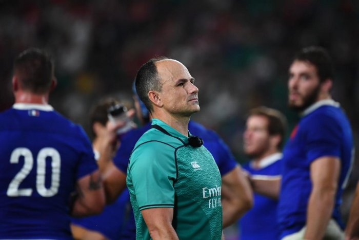 Referee Jaco Peyper looks on during the Japan 2019 Rugby World Cup quarter-final match between Wales and France at the Oita Stadium in Oita on October 20, 2019. (Photo by GABRIEL BOUYS / AFP)