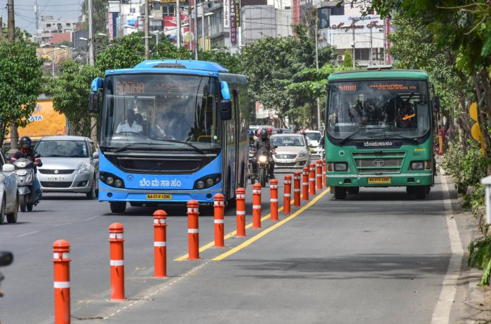 Buses will get a priority lane from November 1 onwards. But not all buses are using the dedicated lane during the trial run.