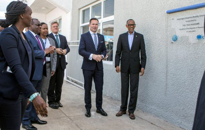 Rwanda's President Paul Kagame and Volkswagen's South Africa boss Thomas Schaefer unveil the plaque of Volkswagen's new factory in Kigali, Rwanda. Reuters file photo