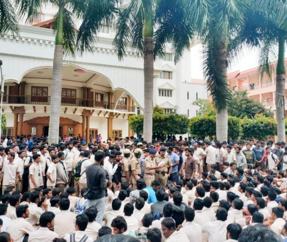 Students protest after the suicide of 22-year-old Sree Harsha at the Amrita School of Engineering, Kasavanahalli, on Monday.