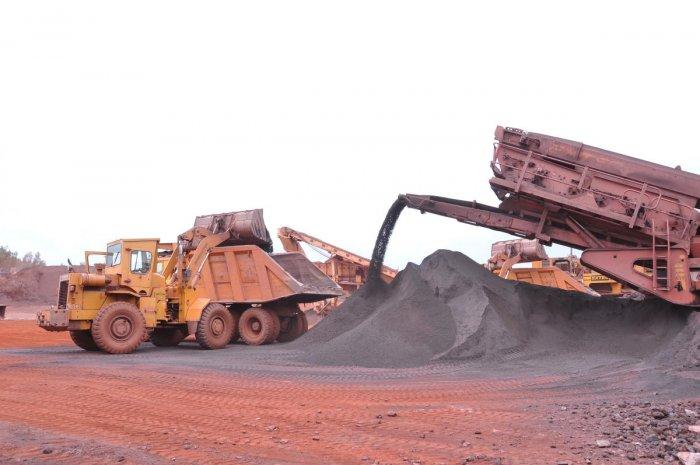 Iron ore loading at KSMCL mine