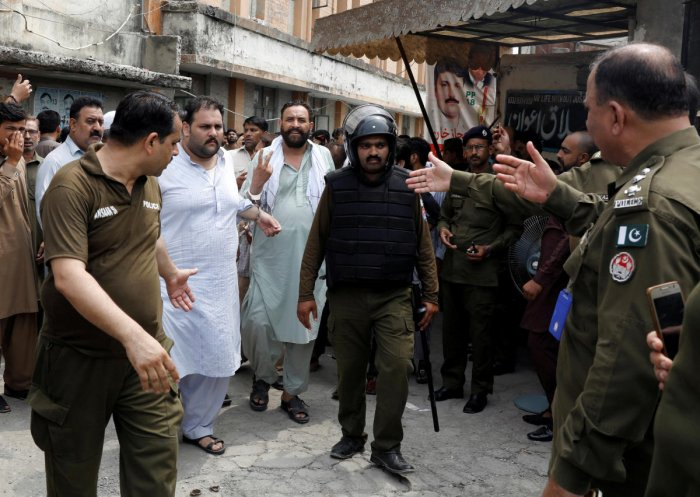 Supporters of the Pakistan-Muslim League - Nawaz (PML-N) who were arrested after holding a rally to obstruct the arrest of Mohammad Safdar, son-in-law of of ousted Prime Minister Nawaz Sharif (Reuters Photo)