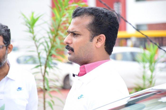 Thiruvananthapuram Mayor V K Prashant is ahead by over 7,000 votes in Vattiyoorkavu in Thiruvananthapuram against his nearest UDF rival K Mohankumar. Wikipedia photo