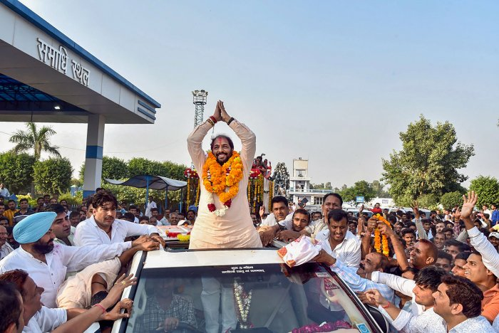 Haryana Lokhit Party leader Gopal Kanda during a roadshow after his victory in Assembly elections, in Sirsa district. (PTI Photo)