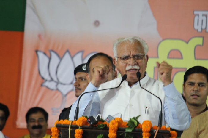 After being elected as the legislative party leader, Khattar will go to meet Haryana Governor Satyadeo Narain Arya and stake claim to form the government. Photo/Twitter (@mlkhattar)