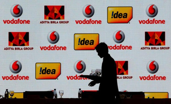 Vodafone Idea, Bharti Airtel and other telecom operators may have to pay the government a whopping Rs 1.4 lakh crore following the Supreme Court order on Thursday that sent shock waves through an industry already grappling with billions of dollars in debt and an intense tariff war to retain customers. Photo/Reuters