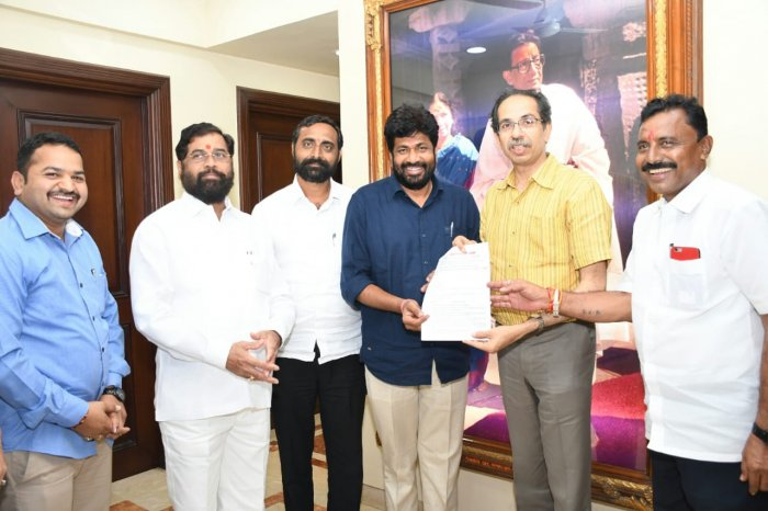 Two MLAs from a small party in Maharashtra's Vidarbha on Saturday extended support to the Shiv Sena. (DH Photo)