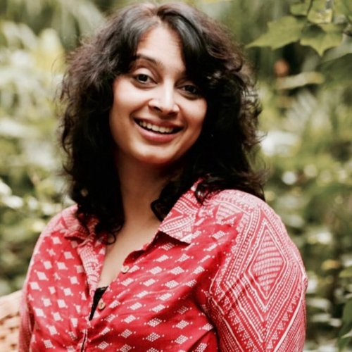Anuja Ghosalkar founded 'Drama Queen' a theatre group focused on documentary theatre.