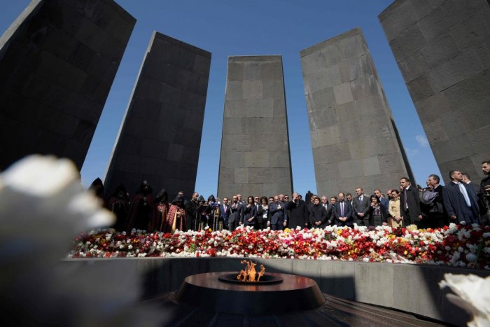 Armenian President Armen Sarkisian, Prime Minister Nikol Pashinyan, Catholicos Garegin II, the head of the Armenian Apostolic Church, and other officials attend a ceremony commemorating the 104th anniversary of the Armenian Genocide. AFP file photo