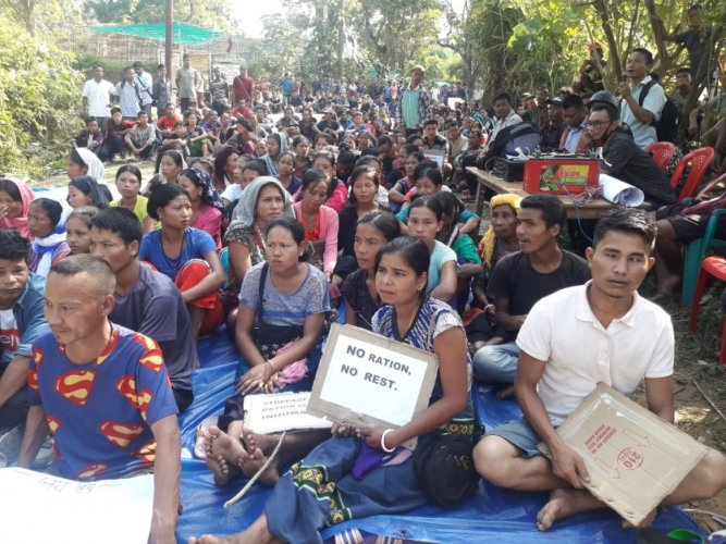 Bru refugees blocking the Kanchanpur-Anandabazar road in Tripura North district on Thursday. Photo by Bruno Msha