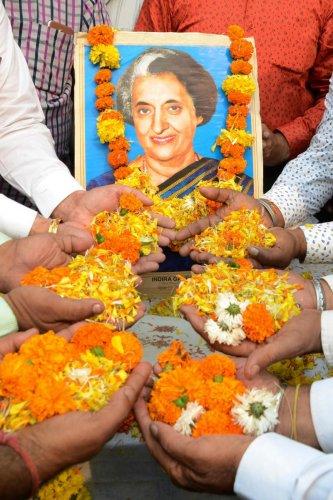 Floral tribute to Indira Gandhi (PTI Photo)