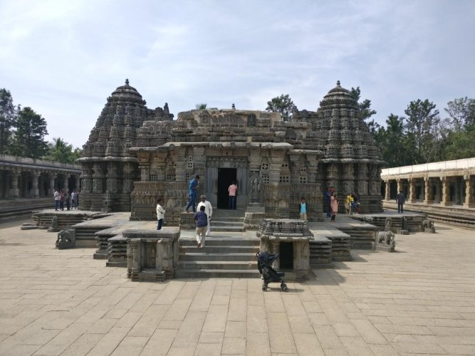 Keshava Temple, viewed from the entry in the east. Photos by author