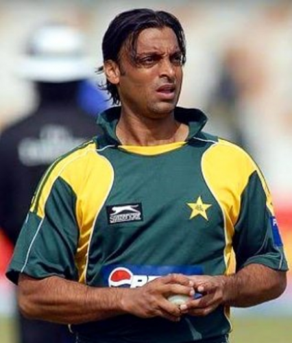 """""""I was playing against 21 people -- 11 theirs and 10 ours,"""" said former speedster Shoaib Akhtar. Photo/Twitter (@shoaib100mph)"""