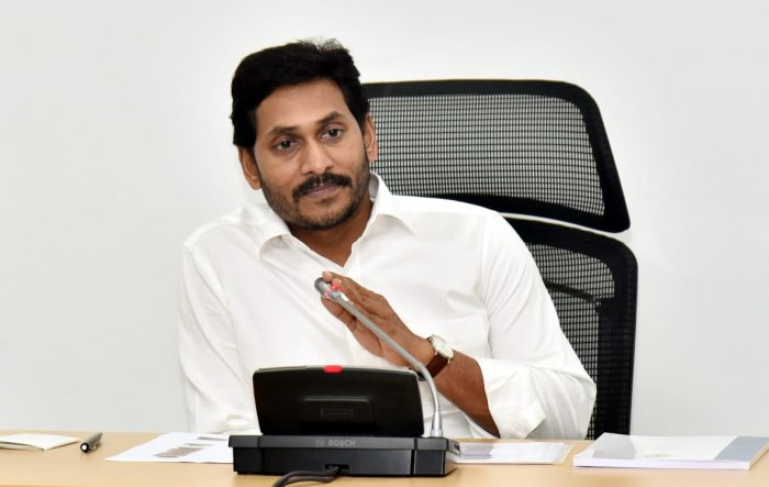 The PCI has slapped a notice on the Chief Secretary and the Information and Public Relations Department Special Secretary of the Andhra Pradesh government, calling for a reply.