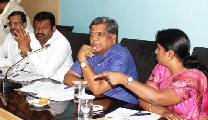 Minister for Large and Medium Scale Industries Jagadish Shettar (DH Photo)