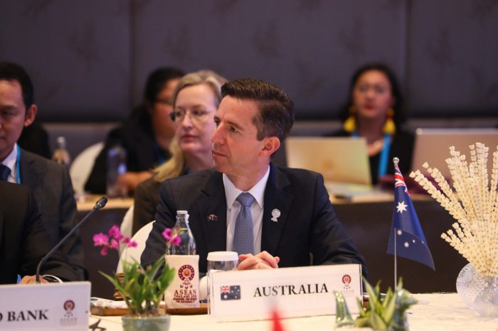 My understanding is... that India is going to continue discussions and negotiations. Our door is always open to India, said Australia's Minister for Trade Simon Birmingham. Photo/Twitter (@Birmo)
